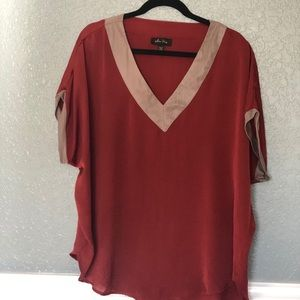 Red and gold tunic (Melissa Paige)